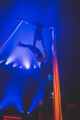 Paris cirque Arlette Gruss représentation aérienne