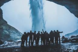cascade grotte islande