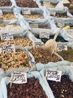 Sicile marché et dégustation de produits locaux