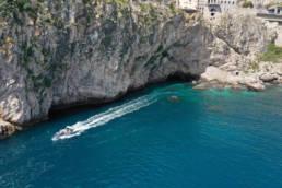 Sicile incentive croisière en bateau le long des falaises